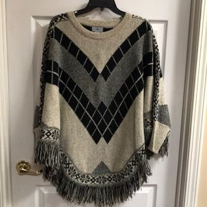 YAIRA sweater poncho with sleeves size L/XL